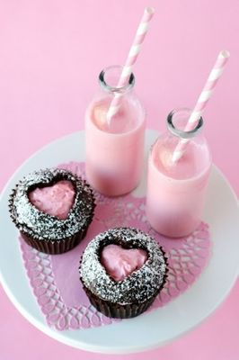 Pink-heart-chocolate-cupcakes-332x500.jpg