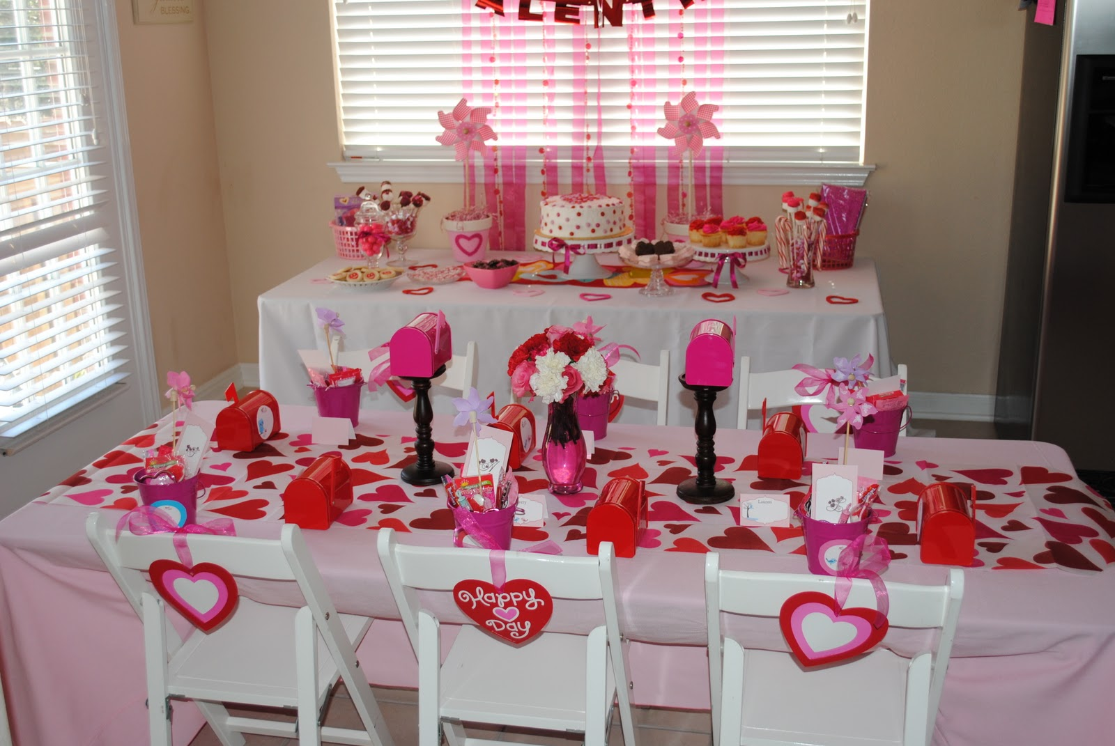 Re heart party katief241981 is at 10 beautytalk for Heart decorations for the home