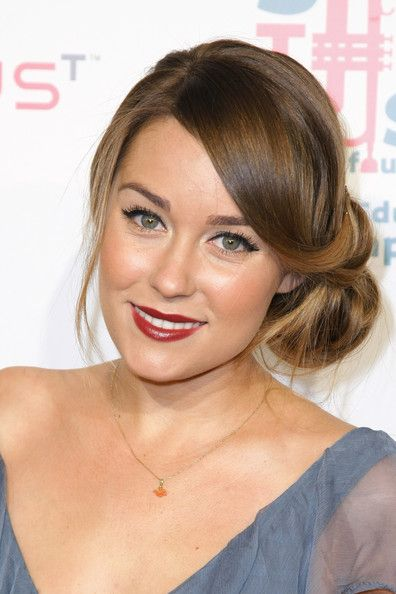 Lauren-Conrad-loose-side-bun.jpg