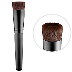 bare minerals brush.jpg