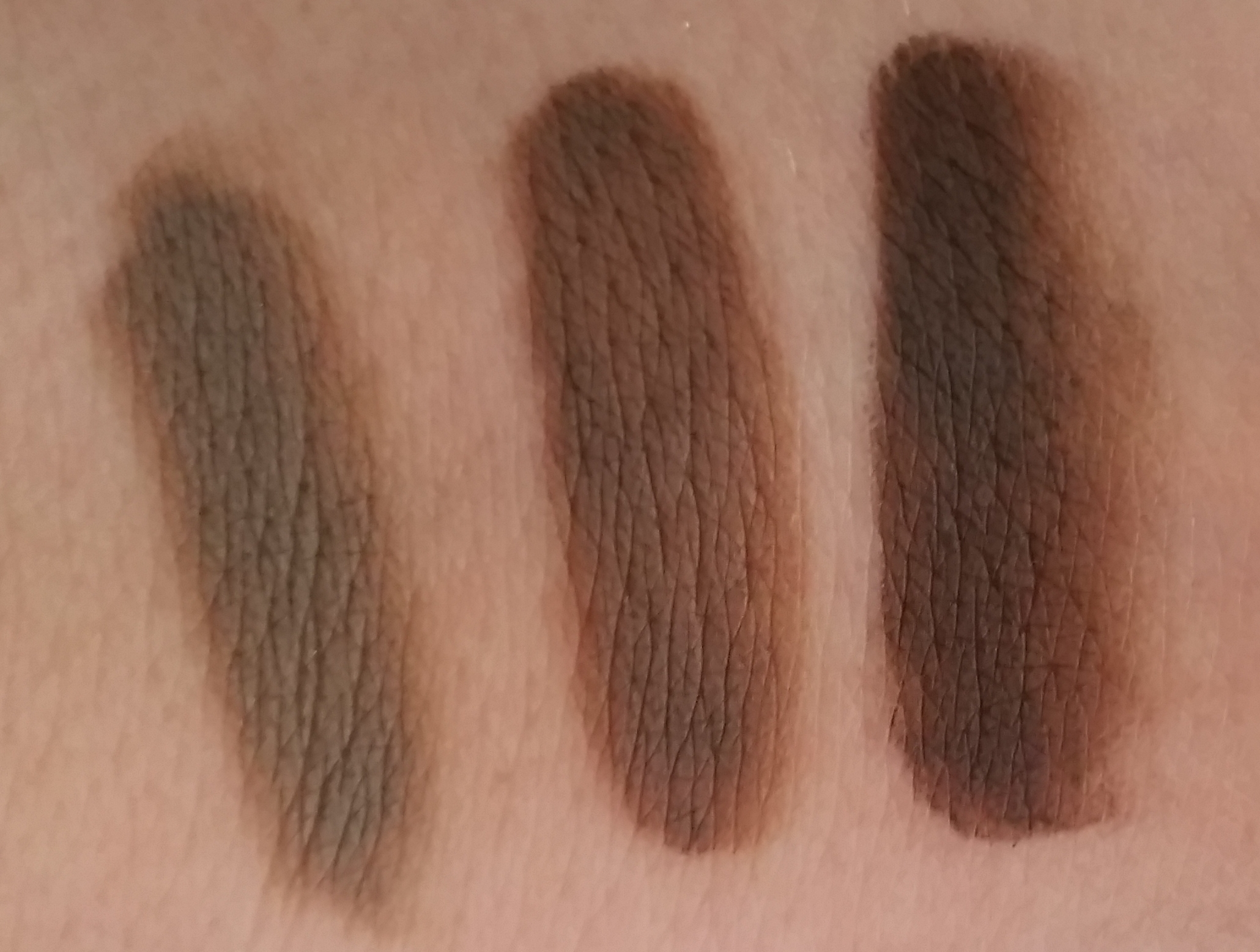 ABH Dipbrow Heavy Swatch.jpg