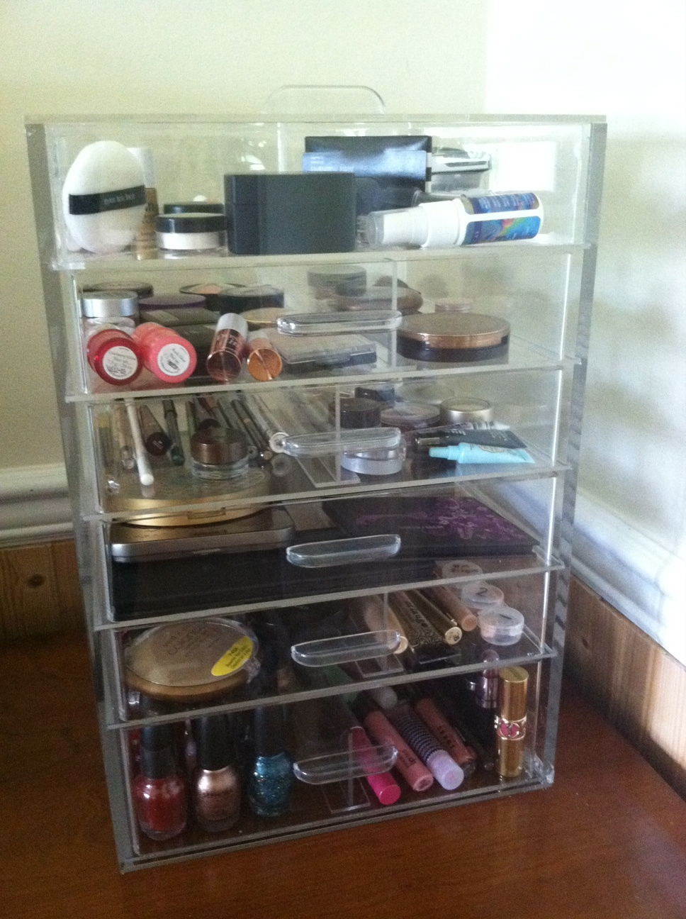 I like the clear acrylic drawers  The Ultimate Makeup Organizer BeautyTalk. Cheap Acrylic Makeup Organizer Drawers