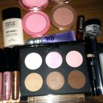makeupbagcontents.jpg