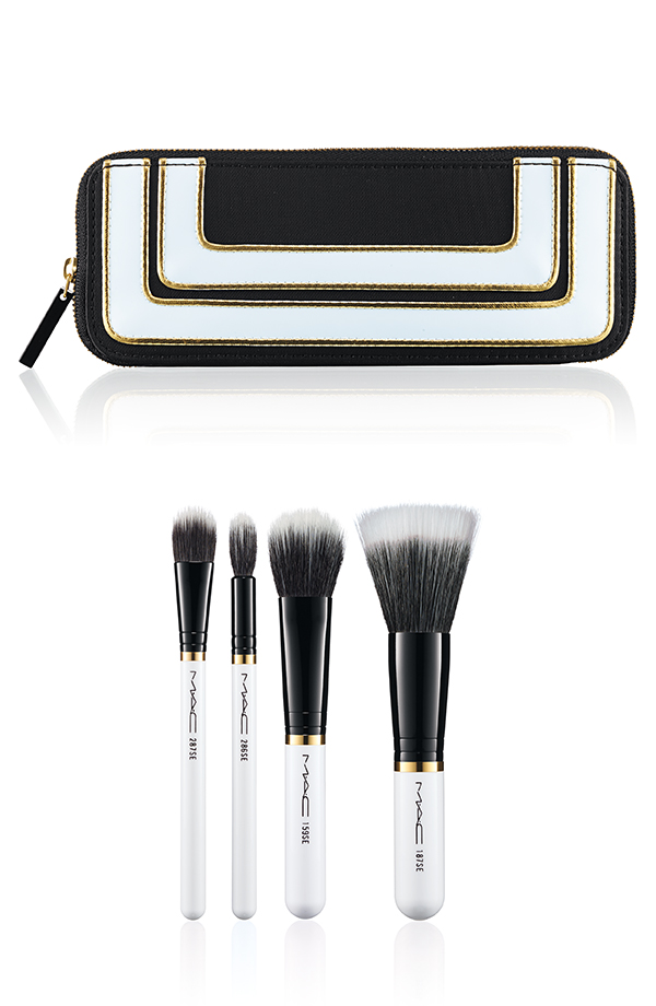 MAC-Stroke-of-Midnight-Mineralize-Brush-Set.jpg