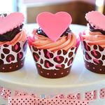 cupcake-cupcakes-food-heart-love-Favim.com-219170_large.jpg