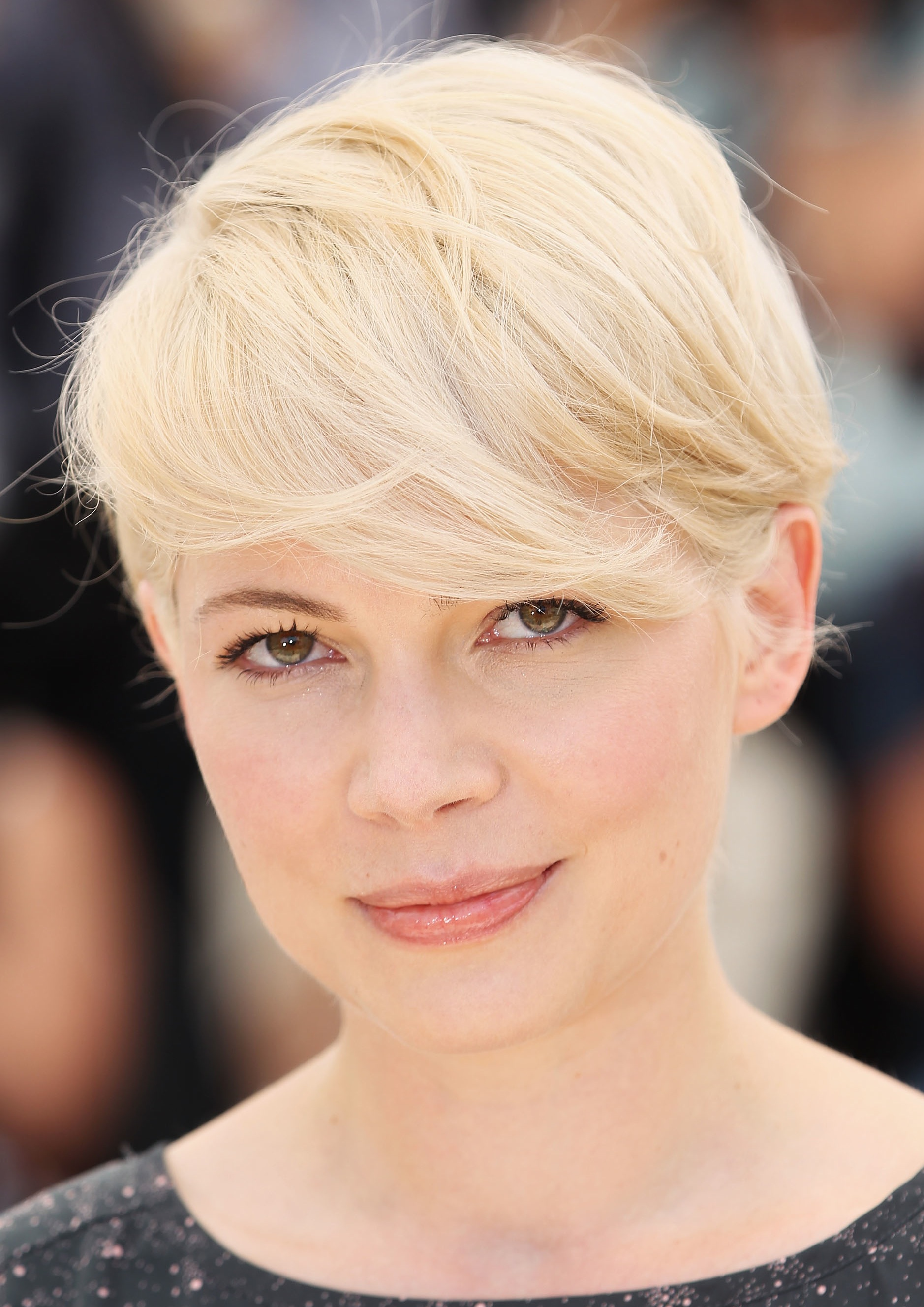 michelle_williams_short_hair_1.jpg