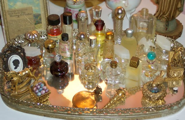 mini-perfume-bottle-collection-vintage.jpg