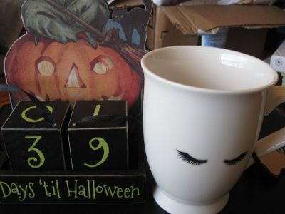 The cutest little mug and a perennial vintage Halloween calendar!  Classicallyfab knows how much I love decorations and vintage.  I can't believe she paid such attention to our conversations, but that's just the kind of person she is.
