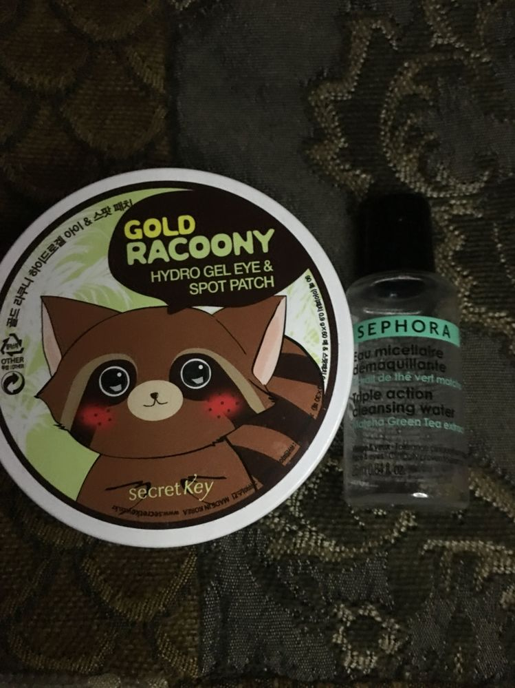 Epic fails, gold raccoony has zero effect, even though it's adorable. And the Sephora cleaning water burns my eyes terribly.