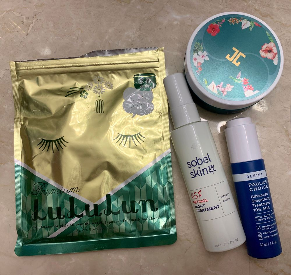 Yes, I know 2 of these items aren't masks. :D But they're the reason I used both these green tea masks.