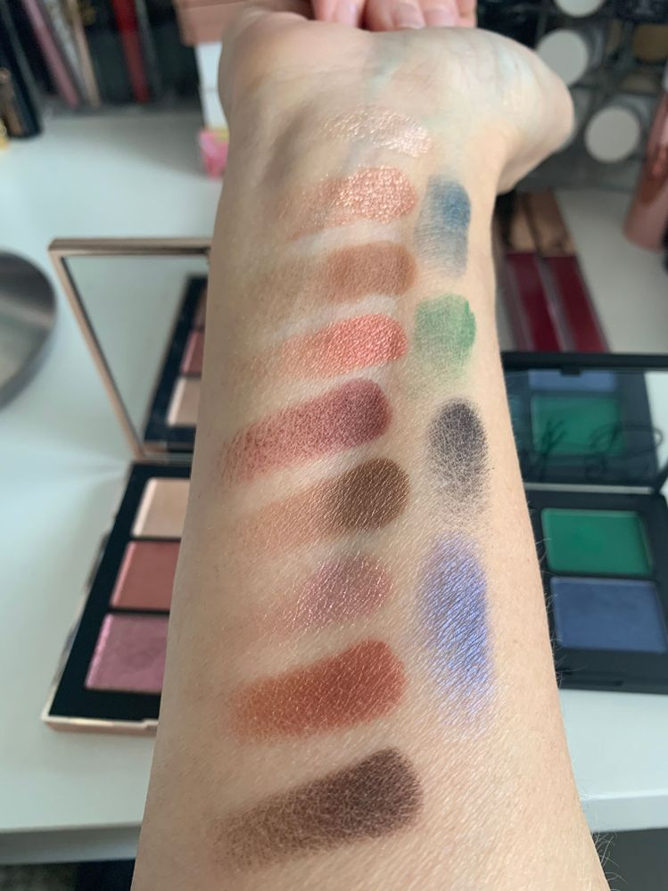 Nars Uninhibited shadows, freebie quad in green and blues