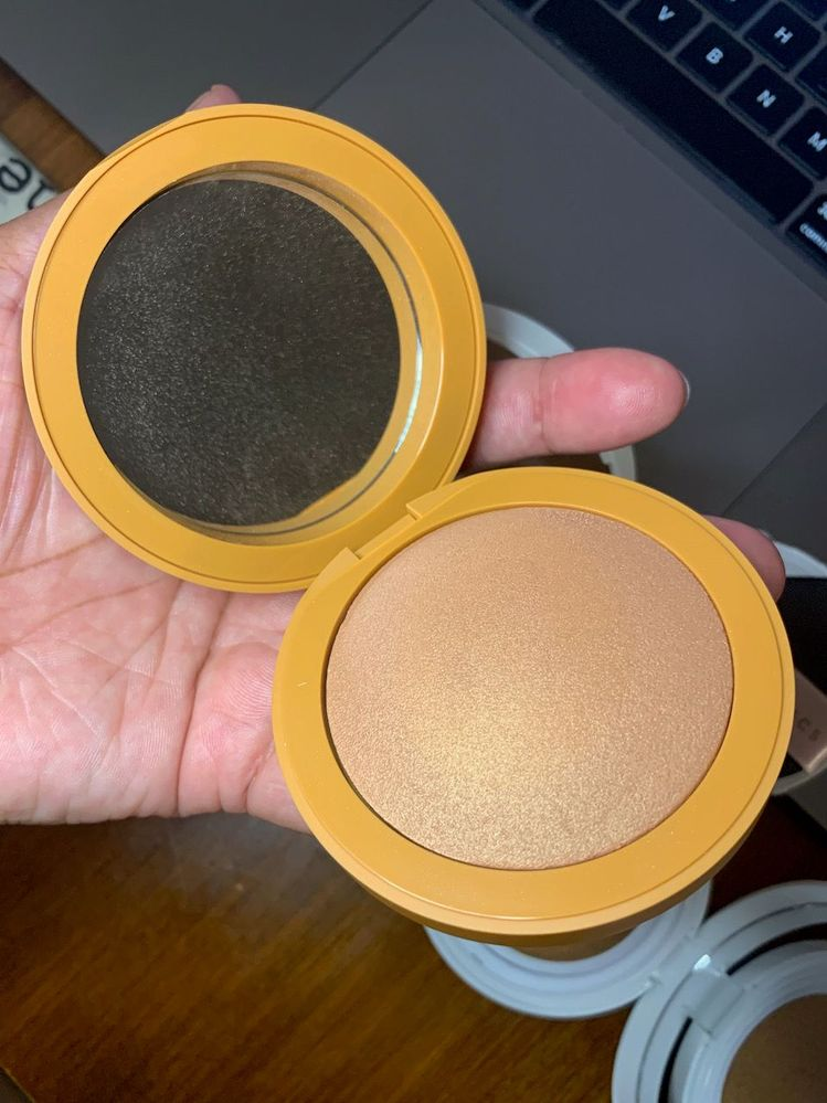 EM Cosmetics Heaven's Glow Radiant Veil Blush, shade Faded Clementine.