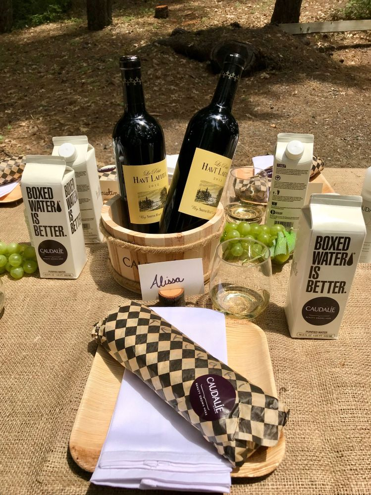 Picnic break! Our little lunch, not complete without some wine from the Chateau Smith Haut Lafitte vineyard where Caudalie was born!