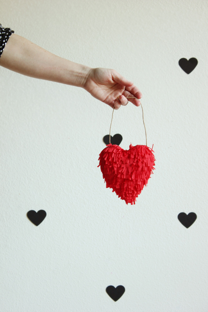 diy-valentine-fringed-heart1.jpg