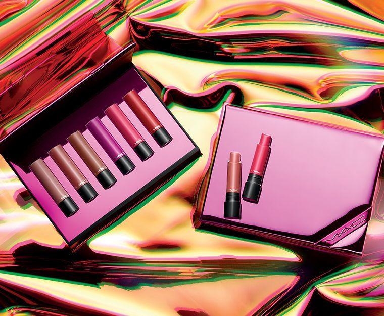 holiday-2018_mac-shiny-pretty-things-kits_003_promo.jpg