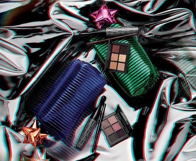 holiday-2018_mac-shiny-pretty-things-kits_007_promo.jpg