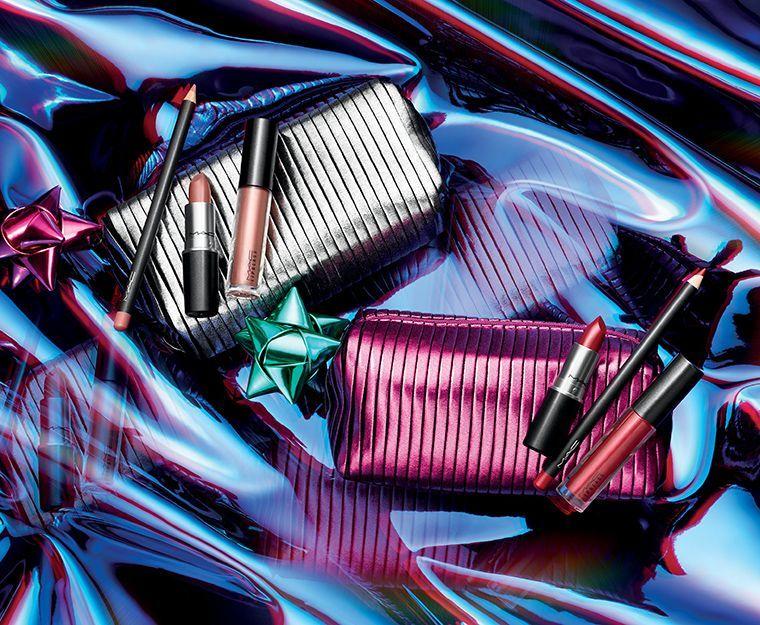 holiday-2018_mac-shiny-pretty-things-kits_008_promo.jpg