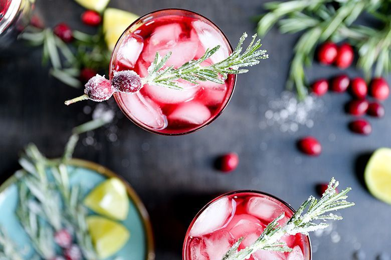 Sparkling-Christmas-Tree-Cocktail-2.jpg