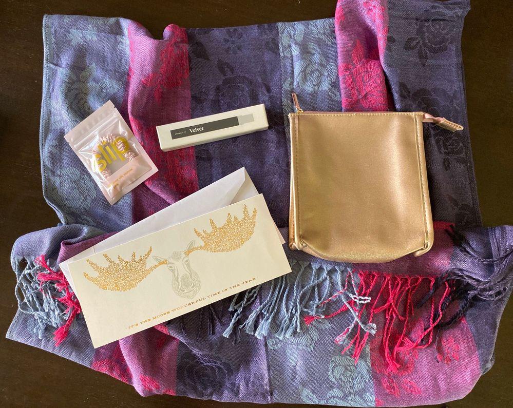 Slip!!!! Velvet!!! And a scarf from far, far away❤️