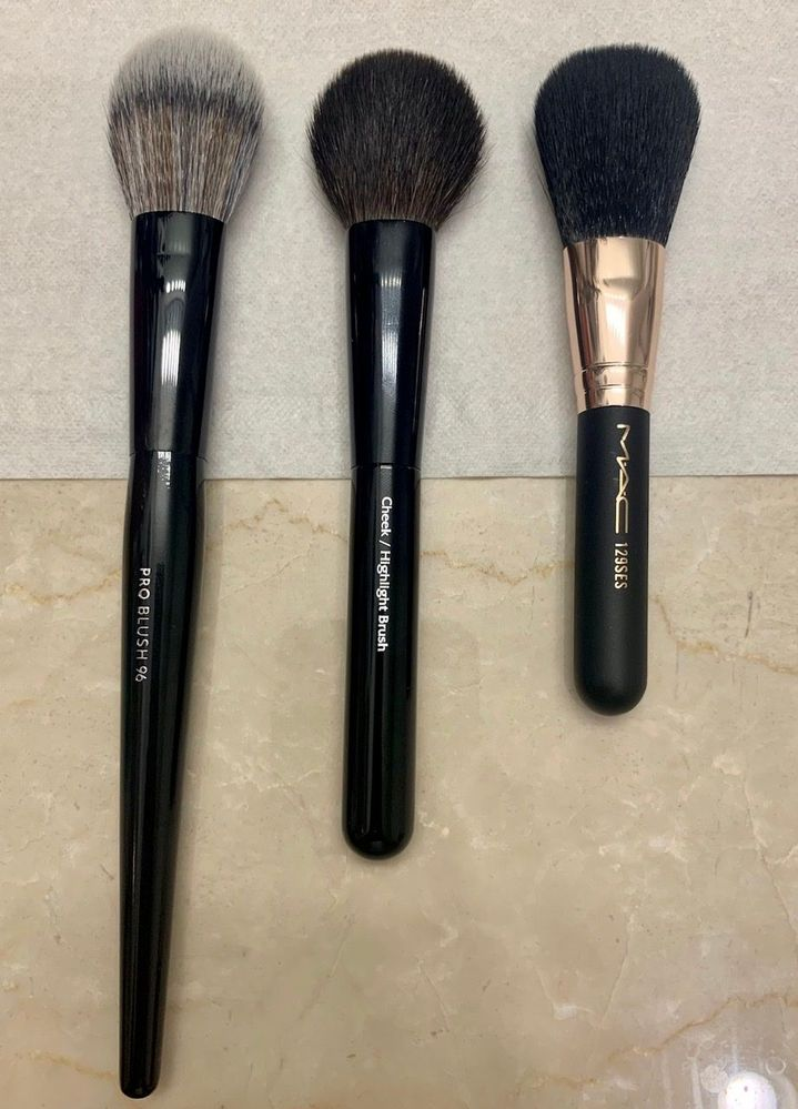 Blush brushes: Sephora PRO, my favorite cheek brush ever (Chikuhodo Z-4), and a mini MAC cheek from a set.