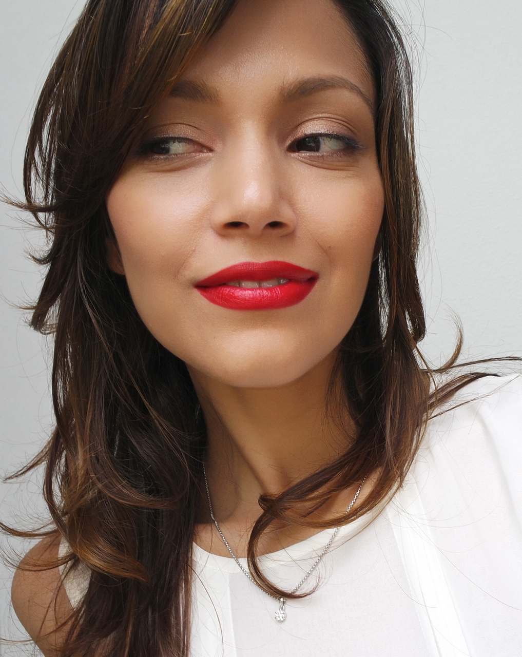 Flattering Lipstick Colors For All Skin Tones: Re: Best Red Lipsticks Flattering For Mo...