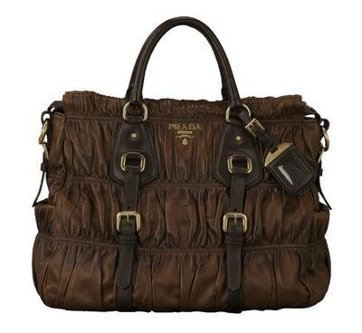 prada-handbag2.jpg