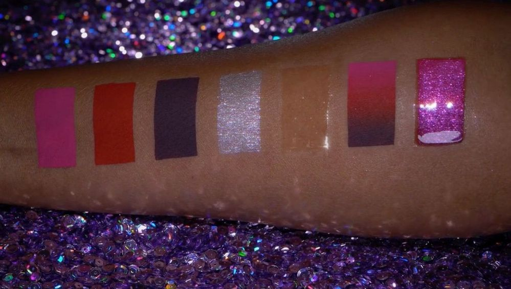 L-R: 3 color blitz liquid matte shades, powder, clear gloss, and combo swatches.