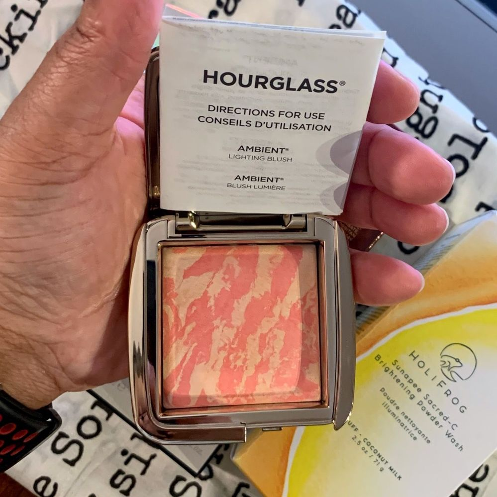 I really wish this was a different shade because man, look at how much blush pigment is in that pan! Sigh...