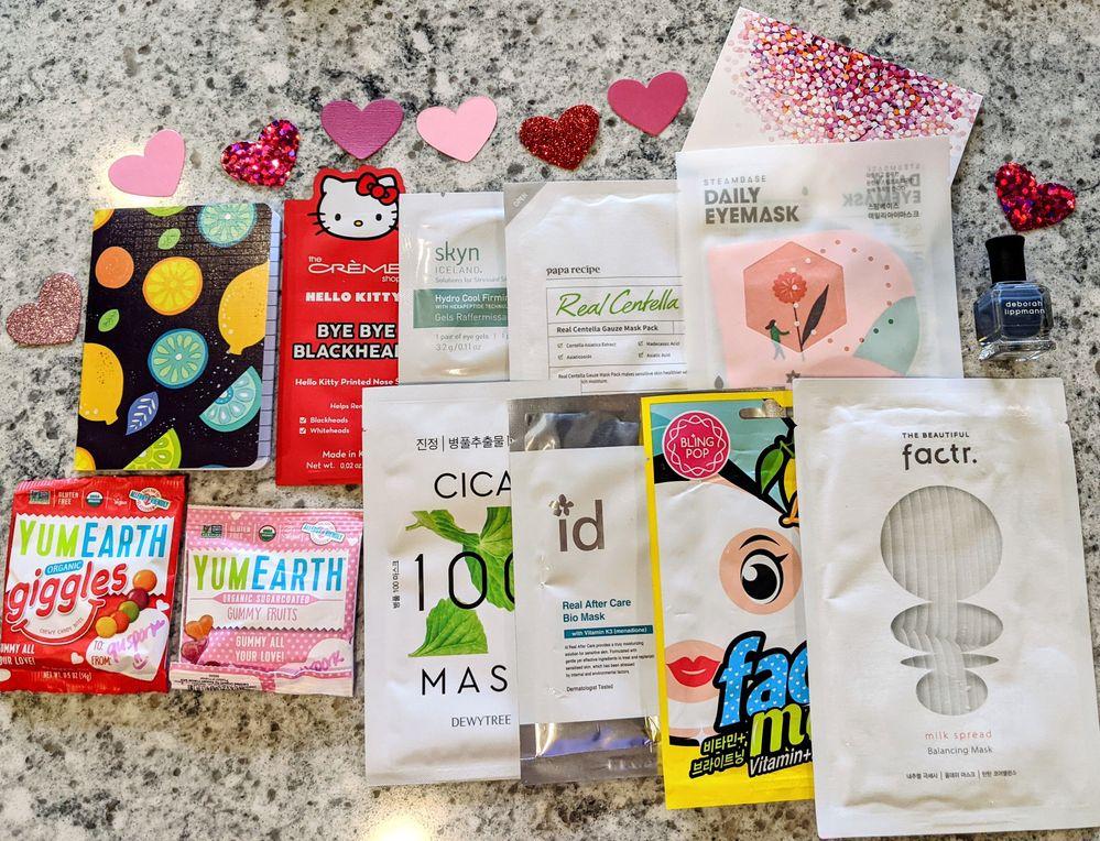 I love the little confetti hearts!