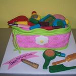 makeup-bag-birthday-cake-21257034.jpg