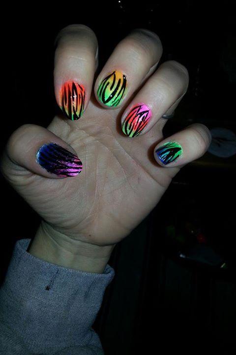 zebra nails.jpg