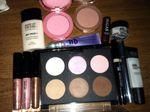 makeupbagcontents.jpg
