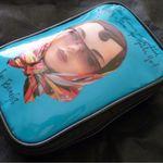 makeupbag1.jpg