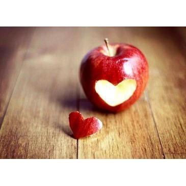 apple-delicious-fairy-tale-food-heart-Favim_com-453258_large.jpg