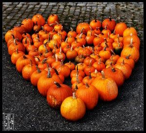 Pumpkin_Heart_by_Moyrah.jpg