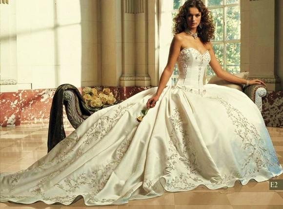 2009_Vintage_Wedding_Dresses.jpg