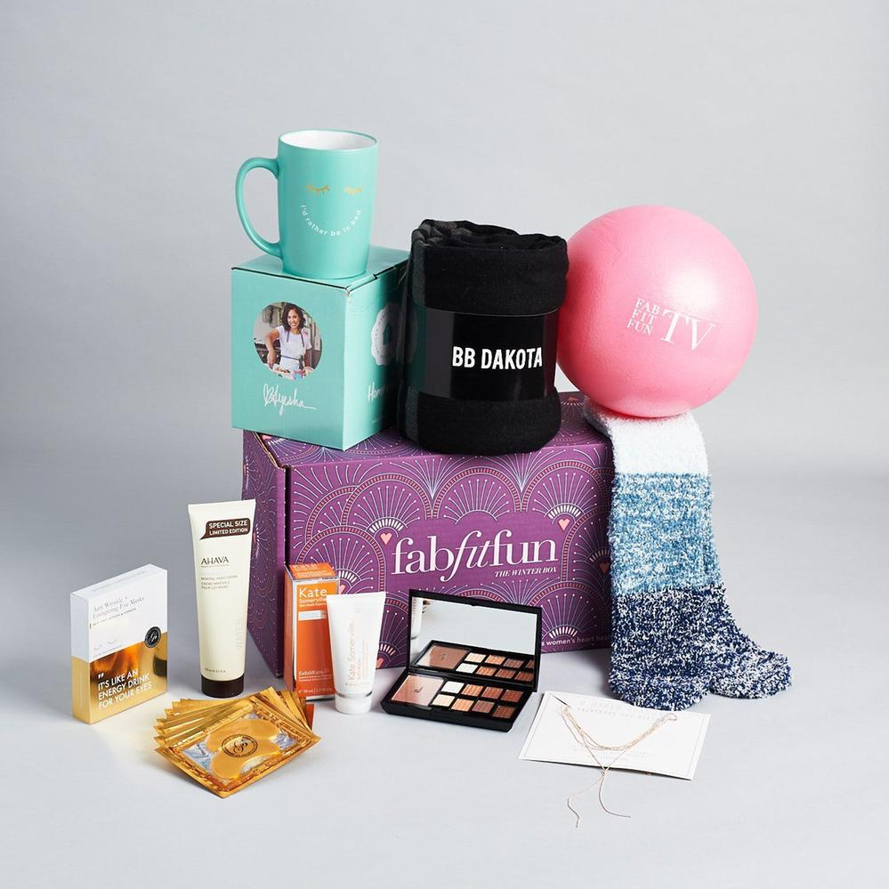 Fab-Fit-Fun-Winter-Box-November-2017-0004-733x733@2x.jpg