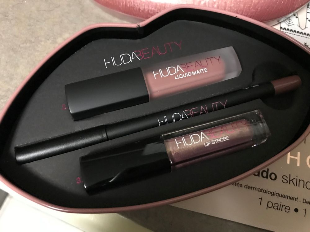 Huda set I've been dying to have!