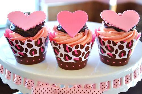 cupcake-cupcakes-food-heart-love-Favim.com-219170_large.jpg