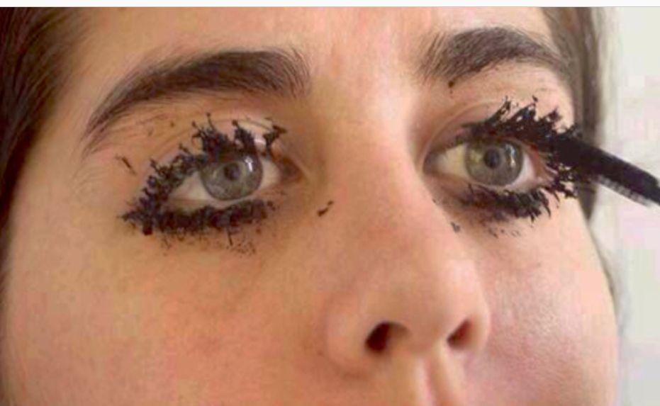 Znalezione obrazy dla zapytania too much mascara